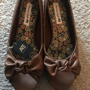 Brown Low Wedges with Bow Detail